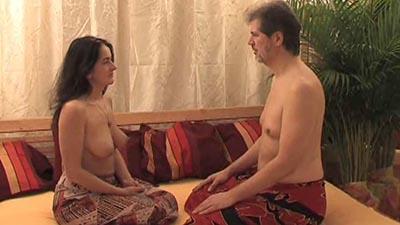 Massagen nackt tantra Massage Hot